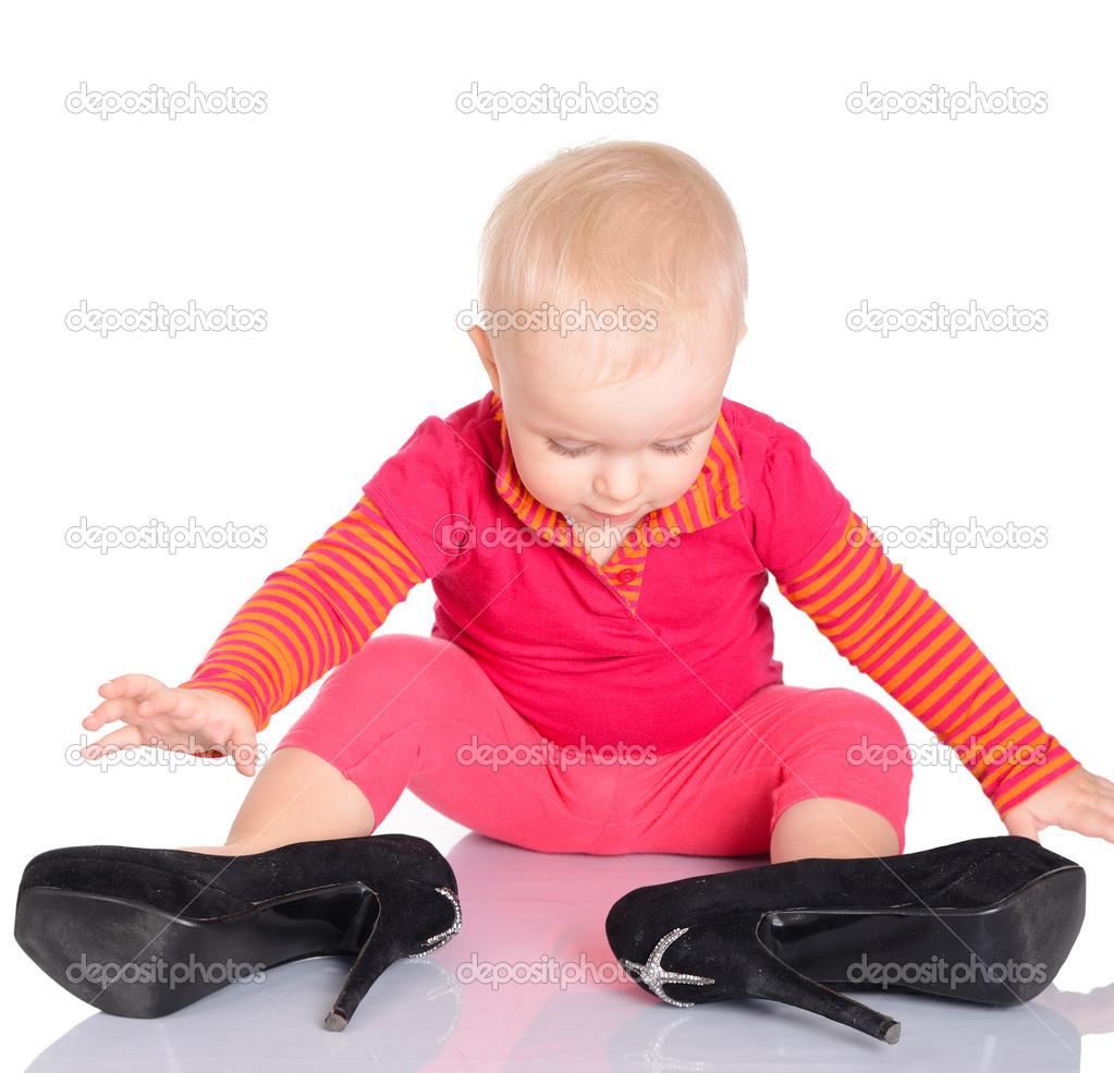 Little Girls Trying Shoes Hot Girls Wallpaper