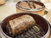 Chinese dim sum - sticky rice wrap — Stock Photo