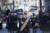 Pipe band at st. patricks's day parade — Stock Photo