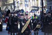 Pipe band at st. patricks's day parade — Stock Photo