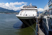 Cruise ship moored at harbor — Foto de Stock