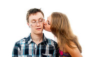 Girl kisses a guy — Stock Photo