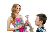 Handsome guy proposes to a girl to marry — Zdjęcie stockowe
