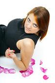 Beyaz arka plan kızıl saçlı bir kız portresi — Stok fotoğraf