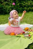 Picnic, beautiful little girl — Stock Photo