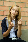 Girl broke her cigarette — Stockfoto
