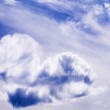 Heart from cloud in the blue sky — Stock Photo