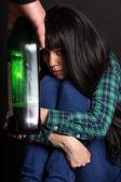 Drunk man threatens wife — Stock Photo