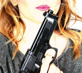 Woman gun — Stock Photo