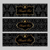 Labels with gold elements on damask background — Vector de stock