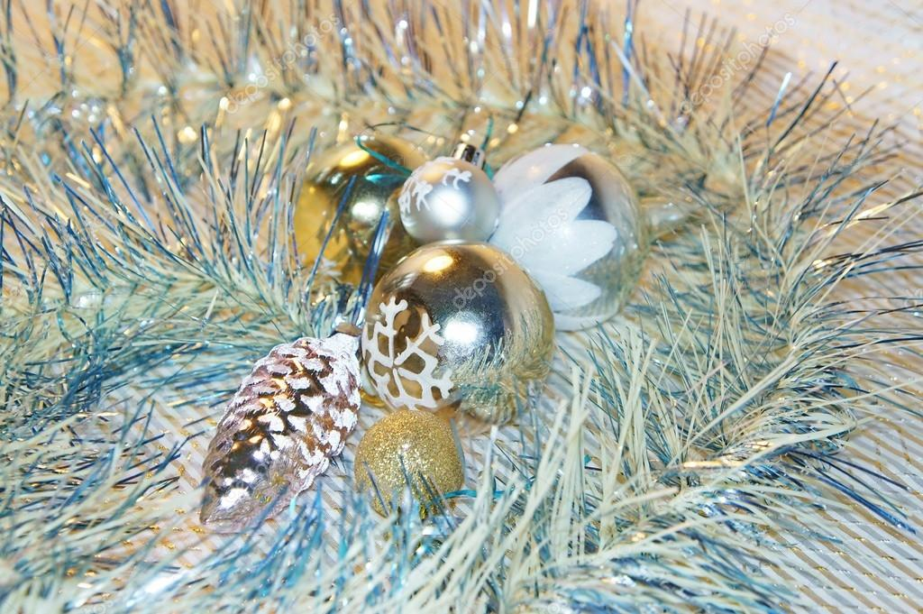 Christmas gold ornaments for Christmas or New Year. Glass Christmas balls. — Stock Photo #15405595