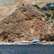 The beach on the background of the mountain massif, Balaklava, Crimea — Stock Photo