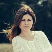 Fashion woman outdoor portrait. instagram filters — Stok fotoğraf