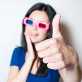 Woman showing thumbs up — 图库照片