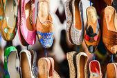 Zapatillas coloridas marroquíes, marrakech — Foto de Stock