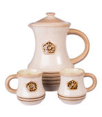 Ceramic pitcher and two mugs — Stock Photo