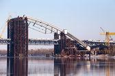 The construction of the bridge — Stock Photo