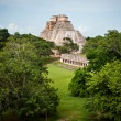Mayan pyramid in Mexico — Stock Photo #17824297