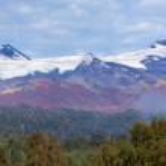 Volcano Choshuenco, ecopark Huilo Huilo, Villarica, Patagonia, Chile — Stock Photo #26905549
