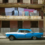 HAVANA, CUBA - JUNE 21: Vintage cars on the streets of Havana — Stock Photo