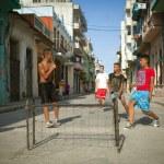 HAVANA, CUBA - JUNE 23: A scene from the life of the inhabitants — Stock Photo