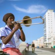 HAVANA, CUBA - JUNE 25: A scene from the life of the inhabitants — Stock Photo #29335565