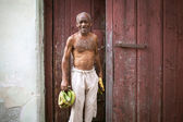 HAVANA, CUBA - JUNE 27: A scene from the life of the inhabitants — Stock Photo