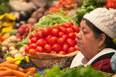 Seller vegetables at the market in Bolivia, — Stock Photo