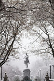 George Washington statue in snowfall, Boston — Stock Photo