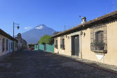 Colonial buildings in Antigua, Guatemala — Stock Photo