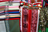 Crafts and souvenirs in Purmamarca, in the colourful valley of Q — Stockfoto