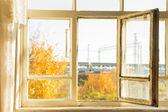 Abrir ventana en aldea de otoño — Foto de Stock