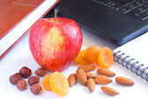 Healthy snack in office — Foto de Stock