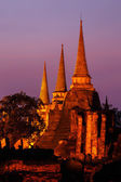 Pagoda at wat phra sri sanphet temple at twilight, Ayutthaya, Th — Stock Photo