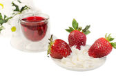 Strawberry with cream and red tea — Stock fotografie