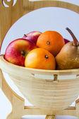 Fruit in een mand — Stockfoto