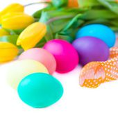 Colorful easter eggs posted by color of rainbow spectrum — Stock Photo