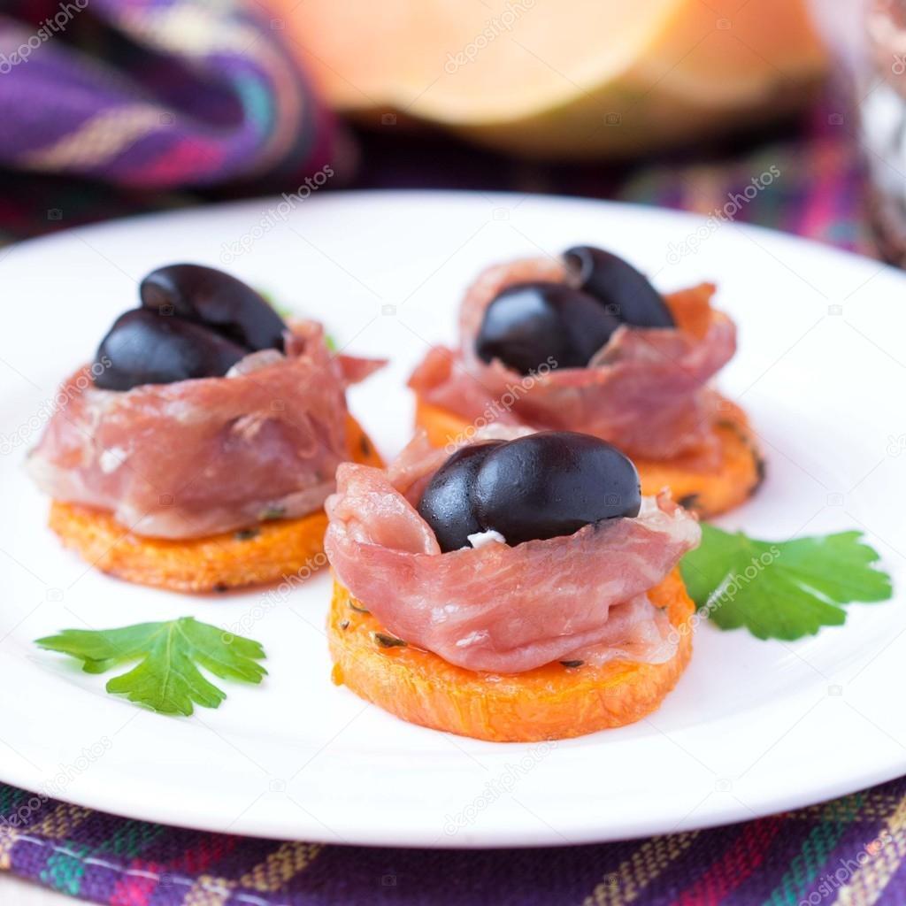Ap ritif canape de citrouille jamon jambon olives noires for Canape aperitif
