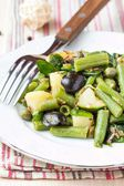 Potato salad with green beans, olives, capers, onions, delicious — Stock Photo