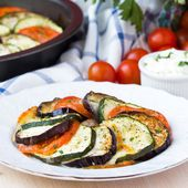 Ratatouille, vegetables cut on slices, eggplant, zucchini, tomat — Stock Photo