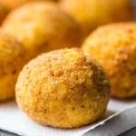 Italian appetizer arancini, rice balls stuffed with meat in oil — Stock Photo #48793031