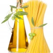 Olive oil and spaghetti — Stock Photo