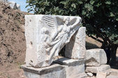 Sculpture of the goddess of victory Nike at Efes. — Stock Photo