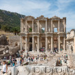 Panoramic view of Library of Celsus in Ephesus, Selcuk, Turkey. — Foto de Stock