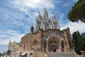 Sacred Heart of Jesus temple on Tibidabo mountain, Barcelona, Sp — Stock Photo