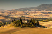 Sunrise in tuscan countryside, Tuscany, Italy — Stock Photo