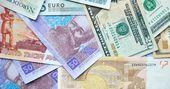 Dollar, zloty, rubel, euro, hryvna — Stock Photo