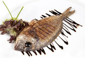 Close-up Grilled Foods - Grilled Fish dorado with Lemon with dif — Foto Stock