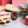Packaging ginger cookies for Christmas — Stock Photo #31446617