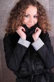 冬天的衣服的女孩 — 图库照片